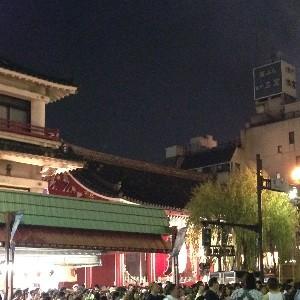 2014花火大会の夜の雷門